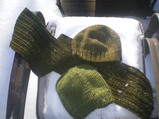 2hatsandscarf2